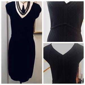 Diane Von Furstenberg Black Knit Dress V-neck LBD